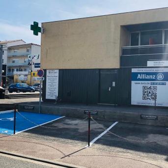 Places de stationnement réservées à la clientèle PALMER OPTIQUE