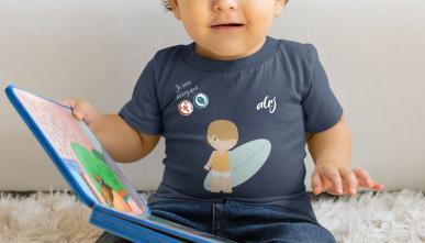 bebe-avec-des-allergies-alimentaires-portant-un-t-shirt-alrj-de-prevention.jpg